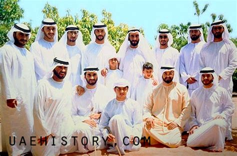 UAE History - Sheikh Zayed bin Sultan with his sons