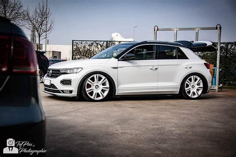 VW T-Roc Gets Lowered on White Bentley Wheels - autoevolution