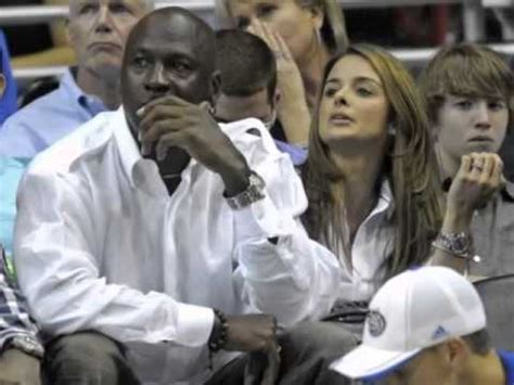 Michael Jordan Twins: Athlete's Wife Gives Birth To