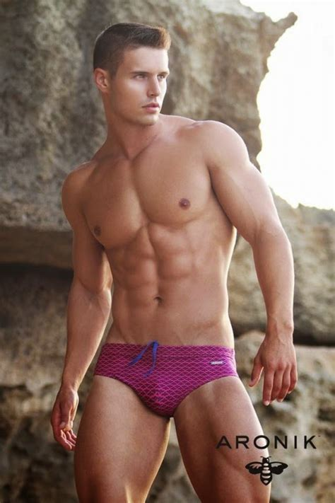 ARONIK SWIMWEAR EXALTED 2015 CAMPAIGN WITH ALEXANDER